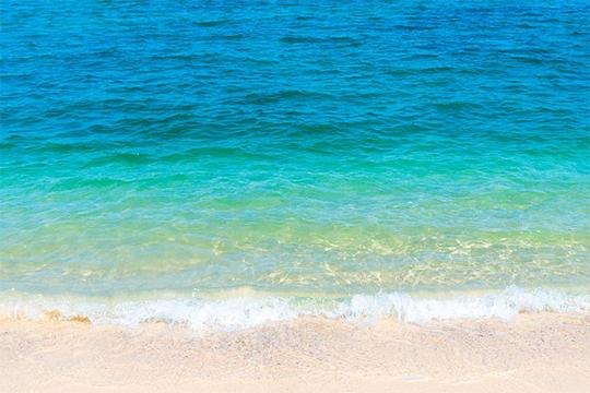 海の日と爽やかブルー